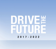 برنامه Drive the Future رنو چیست؟