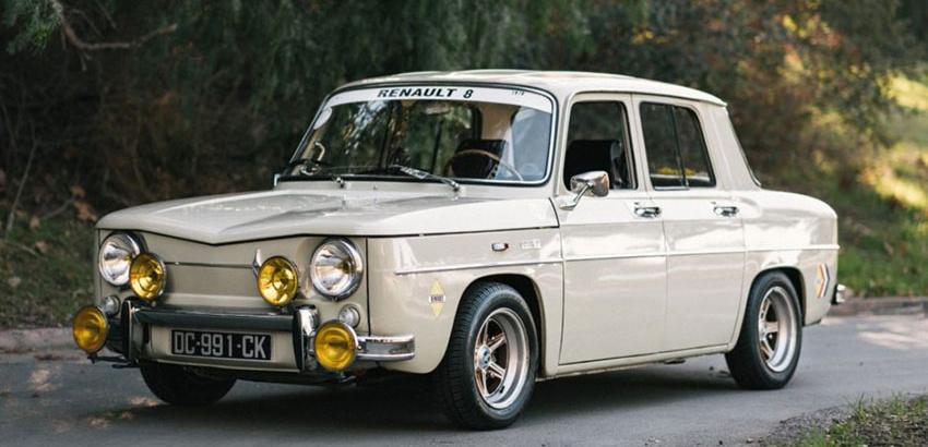 رنو ۸ (Renault ۸)